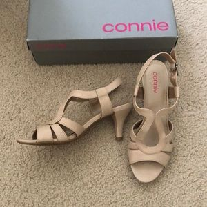 🧡 2/$20 Beige Sandals